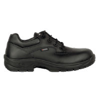 Non-Safety footwear: CFR-Augustus O2 Outer sole resistant to +300°C, Slip resistant footwear