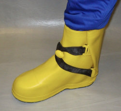 Electrical safety footwear: Dielectric Insulating Overboots Resists 20KV on the complete overboot